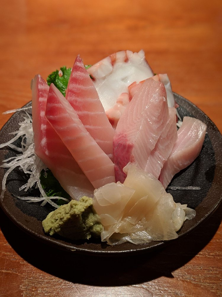 Ikigai Sushi: 550 N Greenbay Rd, Waukegan, IL