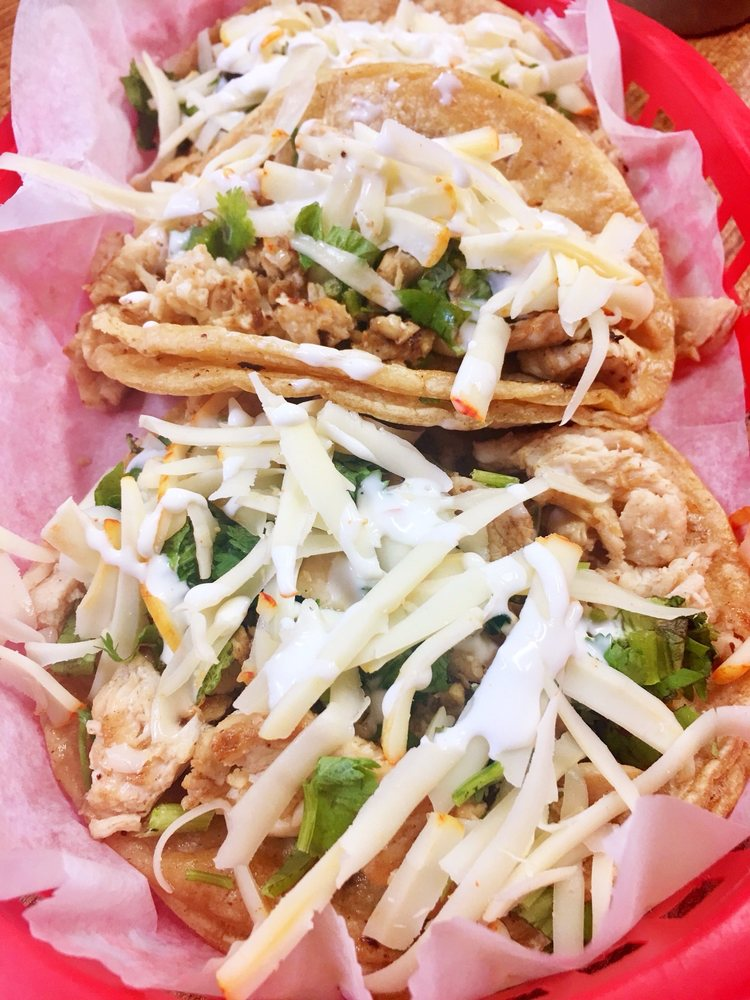 La Mexicana Grocery Store: 432 N Main St, West Bend, WI
