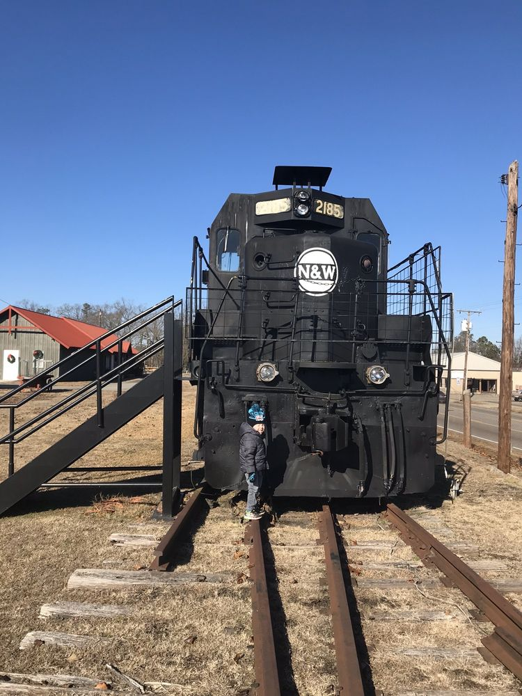 Crewe Railroad Museum: 812 East Virginia Ave, Crewe, VA
