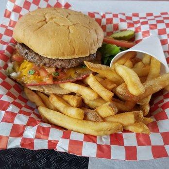 Big Z Burger Joint 107 Photos Amp 235 Reviews Burgers