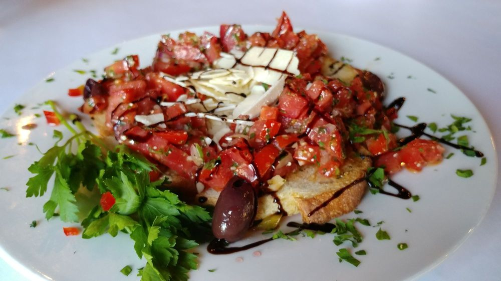 Valentino's Eatery: 3385 N Hunt Hwy, Florence, AZ