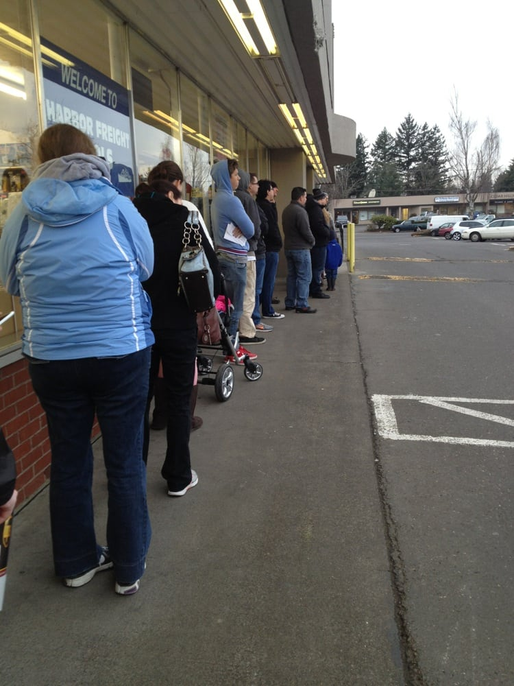 The line 15 minutes before opening on a wednesday morning for Department of motor vehicles near my location
