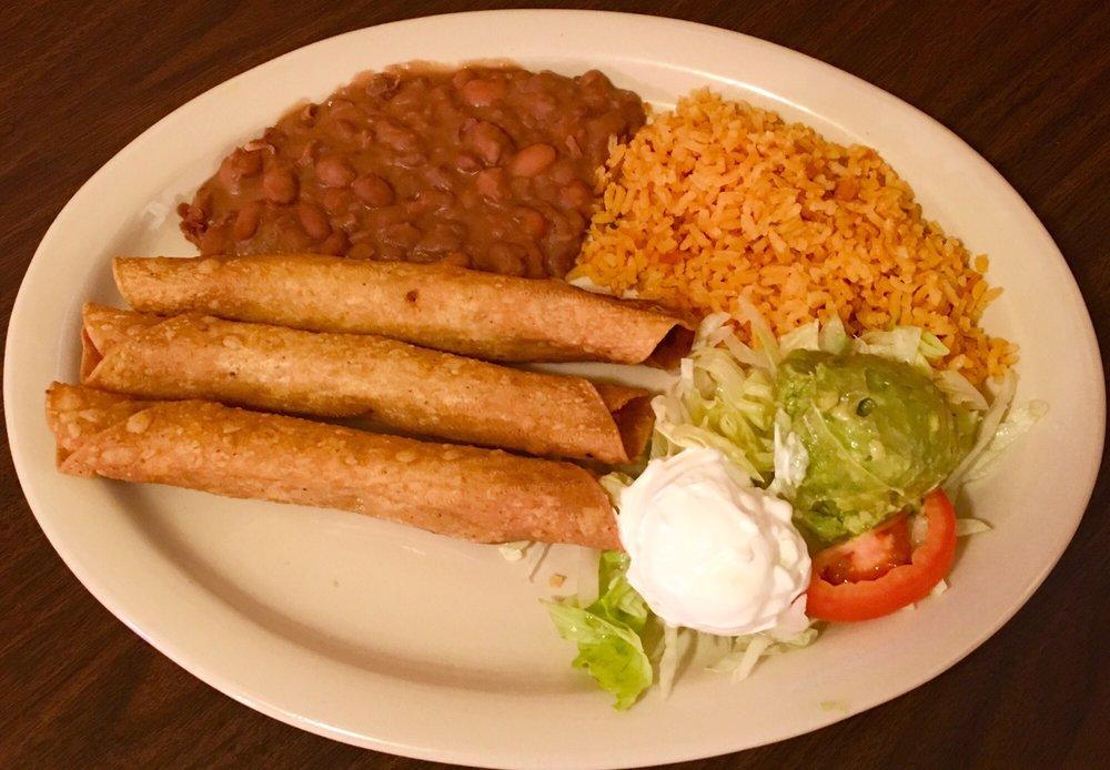 Taqueria La Estrella: 200 NE 27th Ave, Mineral Wells, TX