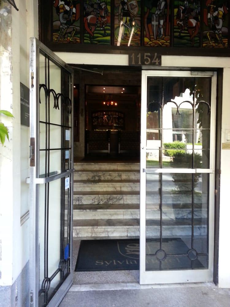 Restaurants Near Sylvia Hotel Vancouver