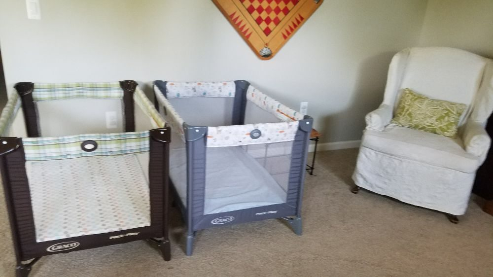 Easy baby travel 34 photos 10 reviews furniture for Cort furniture reviews