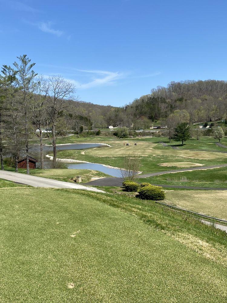 Sugarwood Golf Club: 90 Sugarwood Rd, Lavalette, WV