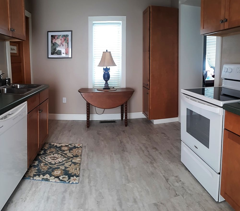 Village House Inn Vacation Rental: 72 College Rd, Winona, MN