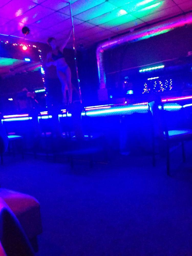 Club Stilettos: 1360 College St, Clarksville, TN