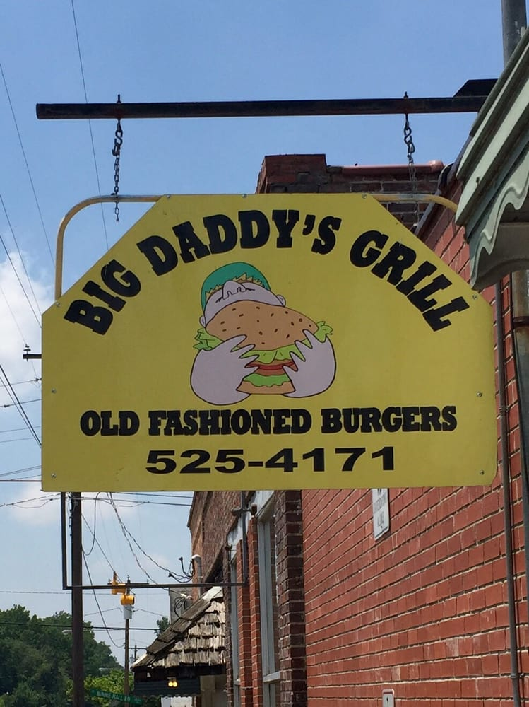 Holly's Grill & Pool Room: 107 W Williams St, Autryville, NC
