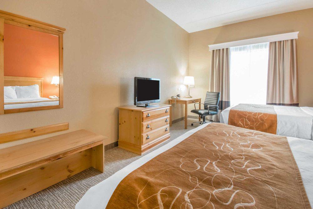 Comfort Suites Airport: 6535 Paramount Park Dr, Louisville, KY