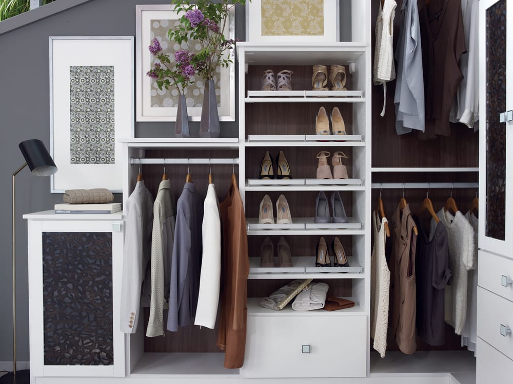Bellissima White Lago Closet With Inverted Shoe Fence Storage