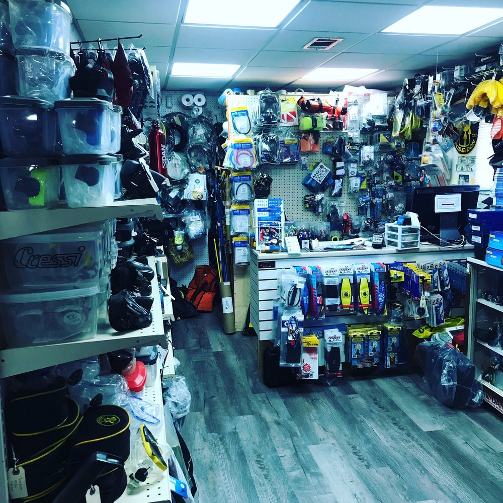 Qc Scuba: 3282 Sunrise Hwy, Wantagh, NY