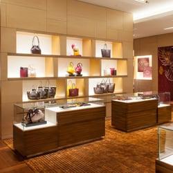 06d0bd0a745 Louis Vuitton Honolulu Ala Moana Center - 270 Photos   165 Reviews ...