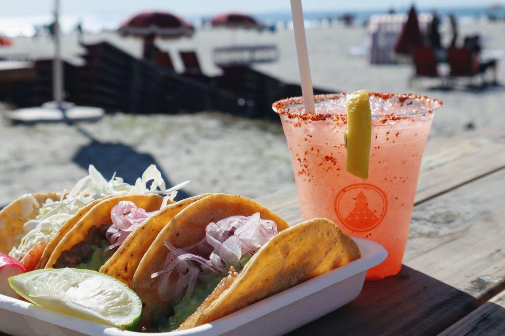 Beach Shack: 12 Rh Dana Pl, Coronado, CA