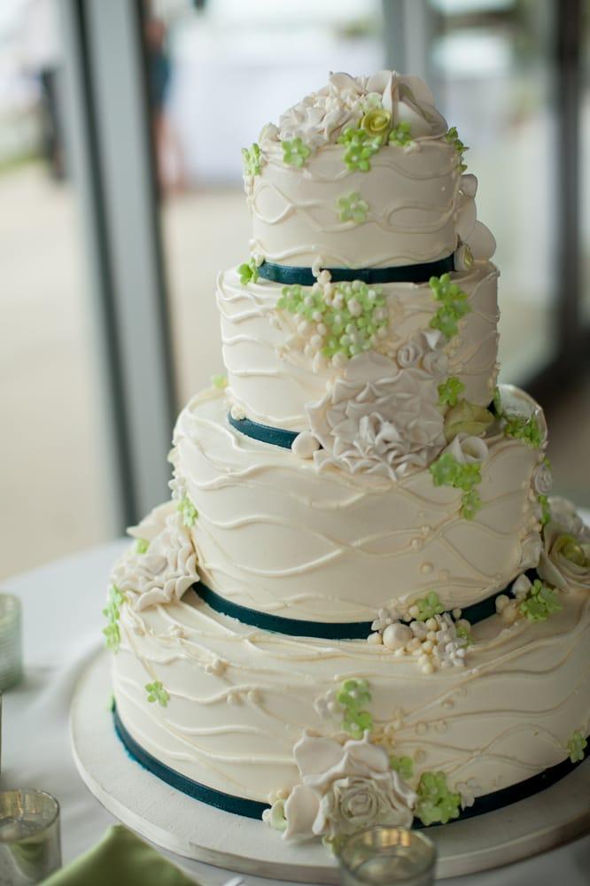 Bel Air Bakery Wedding Cakes