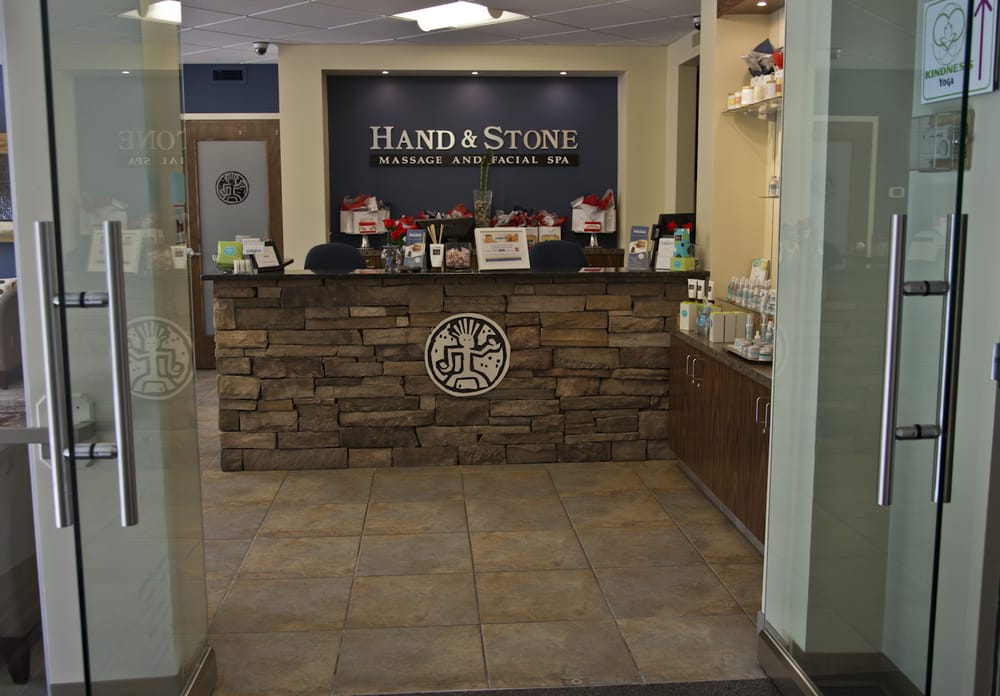Hand stone massage and facial spa 59 reviews spa for 2nd avenue salon
