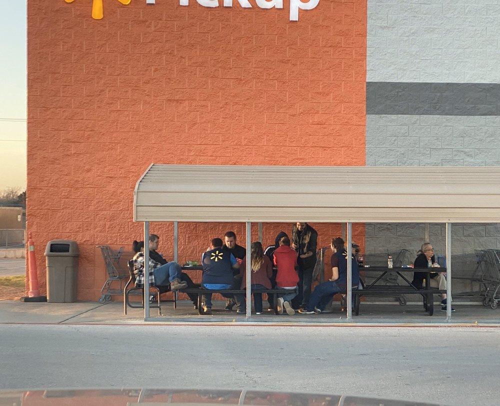 Walmart Supercenter: 1341 Hwy 287 N, Bowie, TX