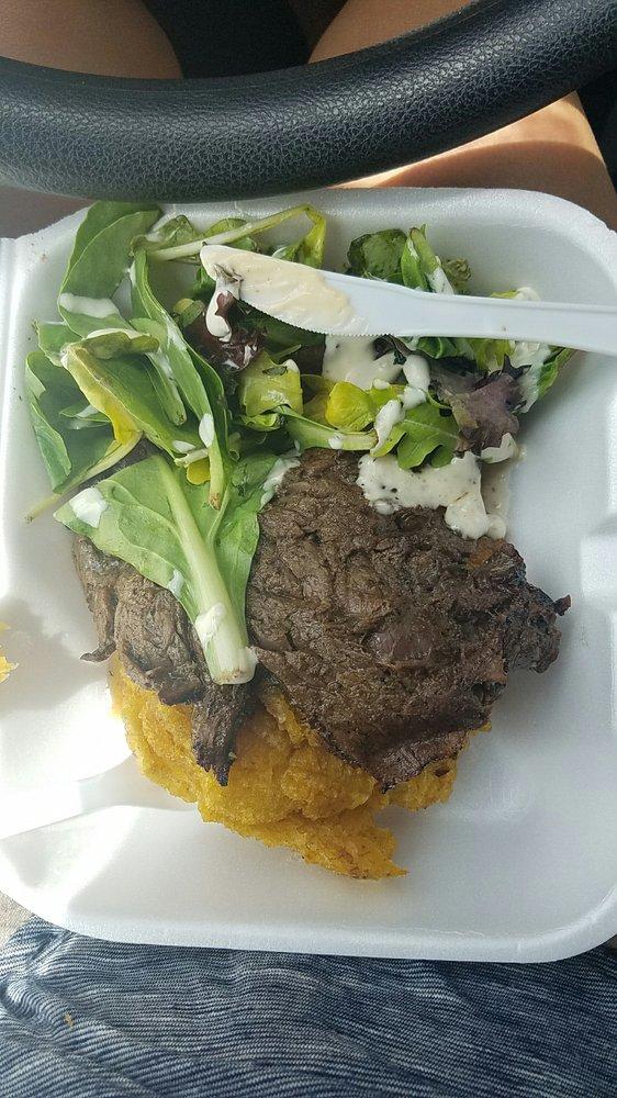 Que Rico Catering Food Truck: Calle Acosta 2, Caguas, PR