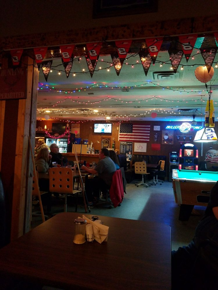 The Onion Grove Bar & Grill: 502 Lombard St, Clarence, IA