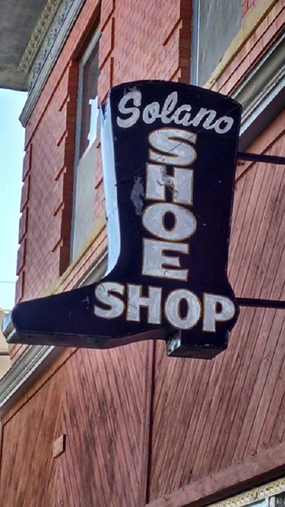 Solano's Boot & Western Wear: 101 S 2nd St, Raton, NM