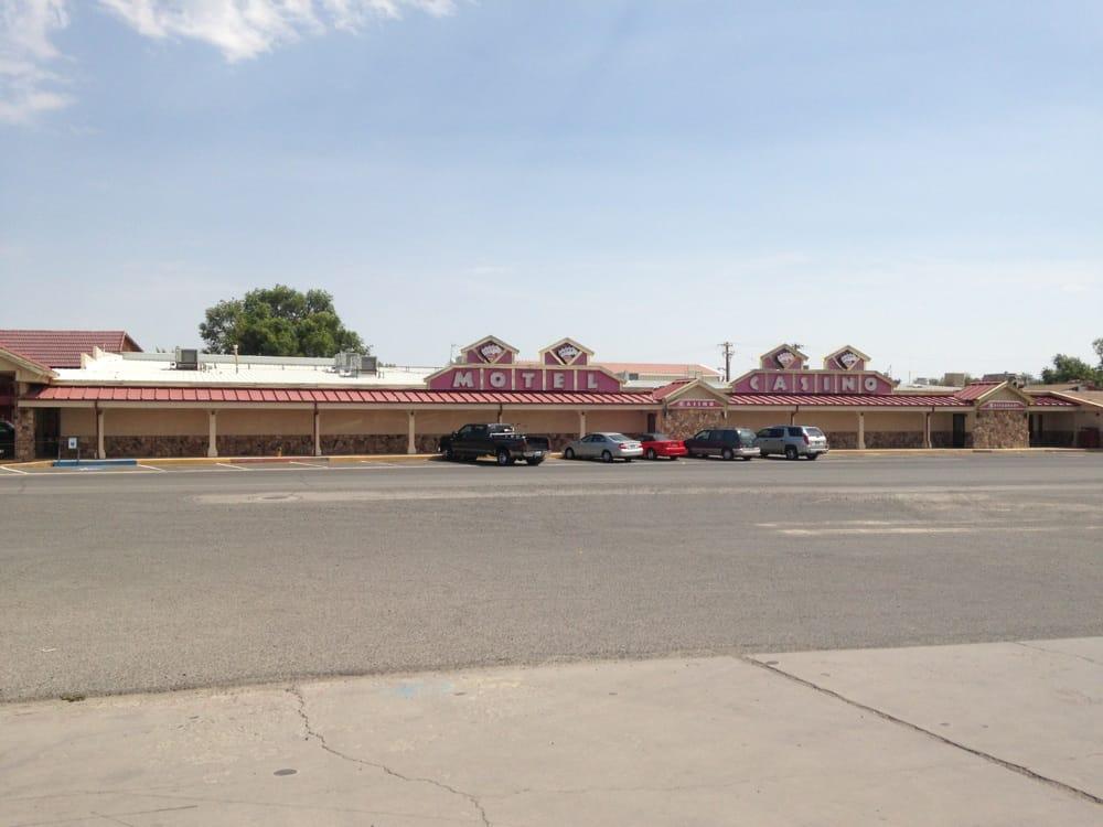 Sturgeon's Restaurant Casino & Motel: 1420 Cornell Ave, Lovelock, NV