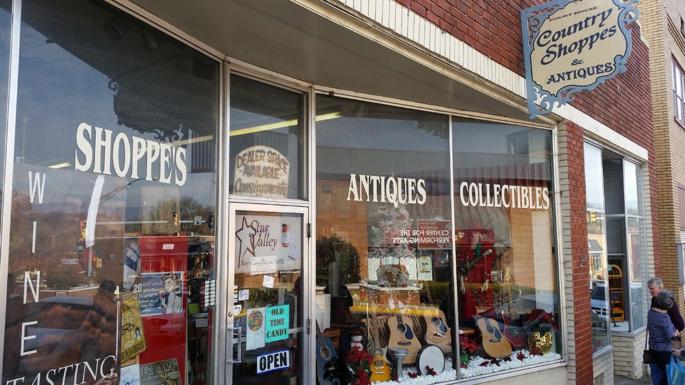 Court House Antiques & Country Shoppe: 12 E Main St, Luray, VA