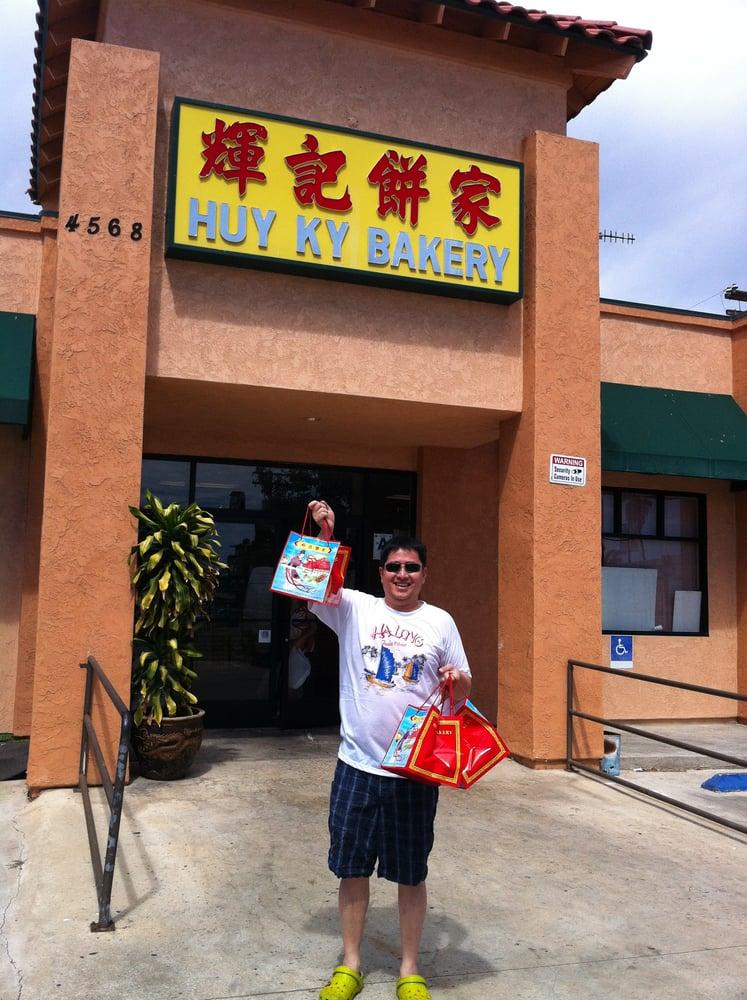 Huy Ky Bakery: 4568 University Ave, San Diego, CA