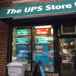 The UPS Store - 12 Photos & 27 Reviews - Shipping Centers