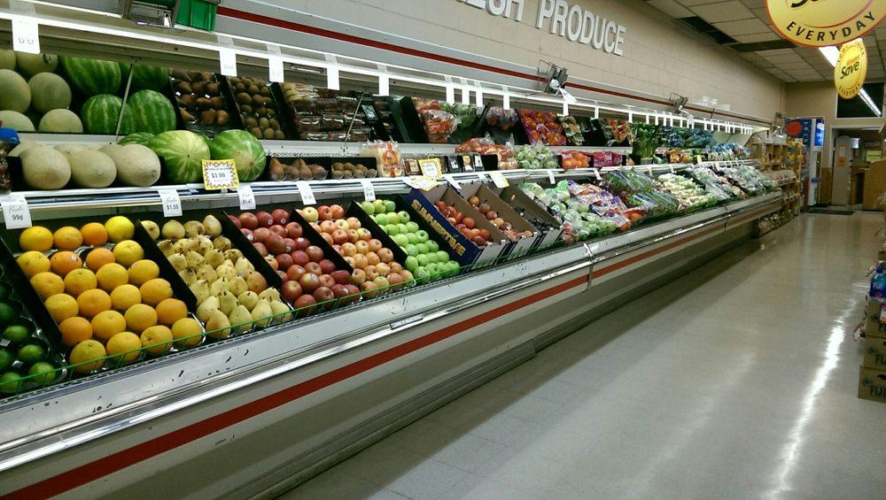 Oliver's Corner Market: 748 N Brinton Ave, Dixon, IL