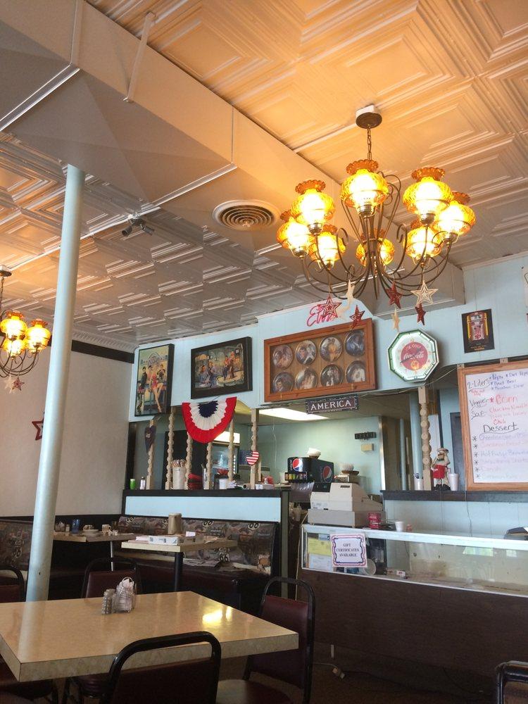Naples Pizzeria & Restaurant: 103 W State St, Montrose, MI