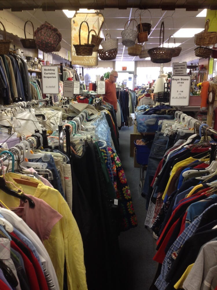 ABC Thrift Shop: 118 E Bayfield St, Washburn, WI