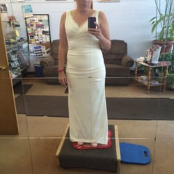 Annie s alterations s mmerskor skr ddare 6800 for Wedding dress alterations indianapolis