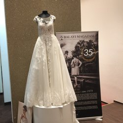 Balayi Magazasi 12 Fotos 10 Beitrage Brautmode Hochzeitsdeko