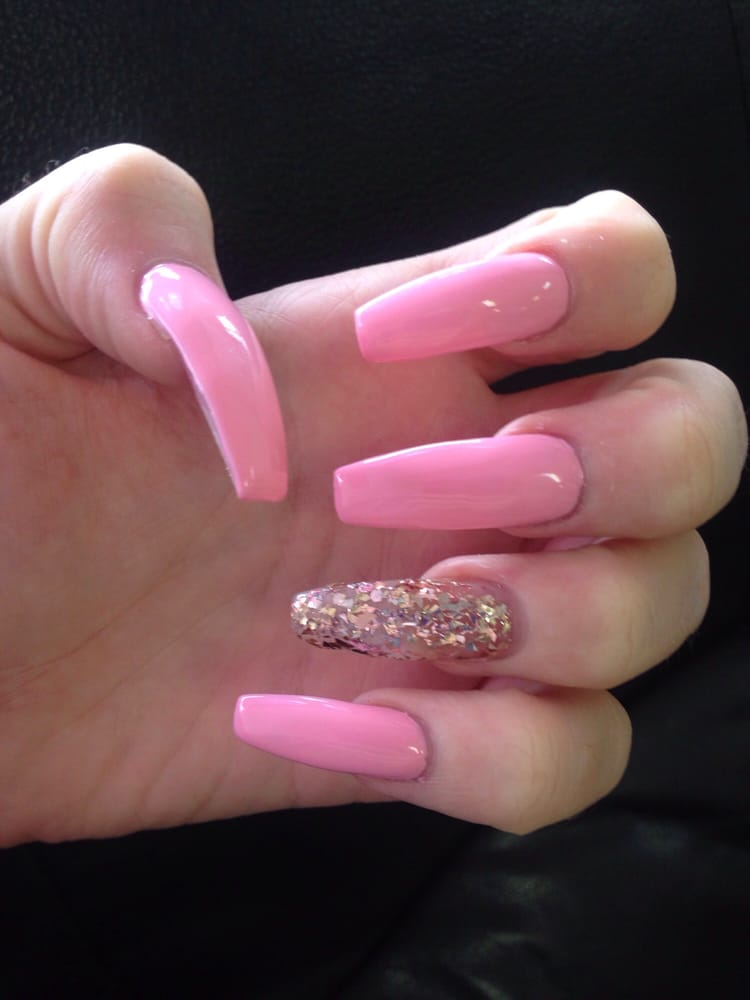 Jane\'s work on my baby pink coffin nails with gold glitter accent - Yelp
