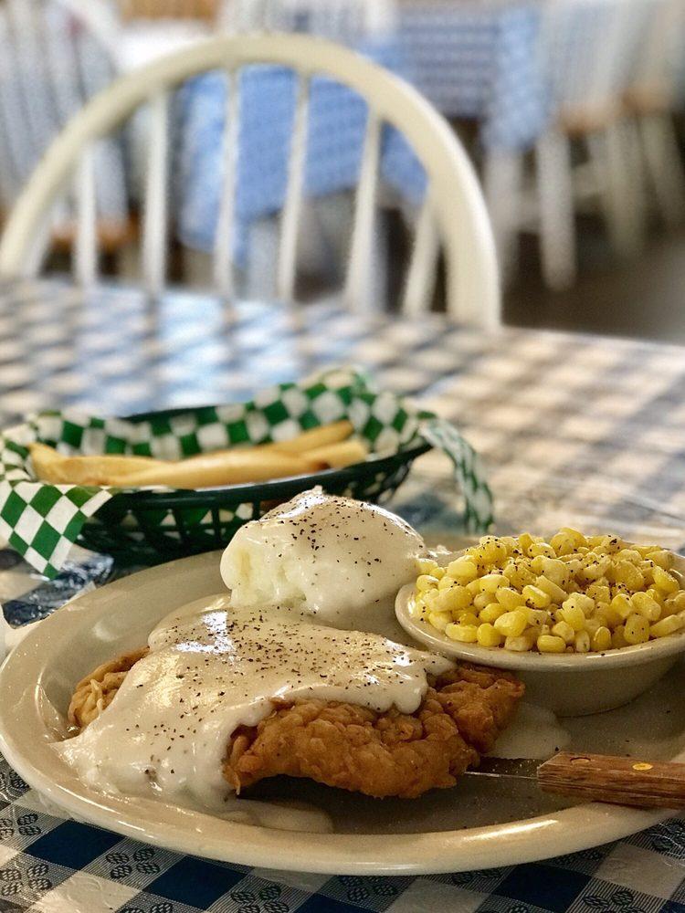 Hiway 77 Cafe: 1101 US Hwy 77, Rosebud, TX