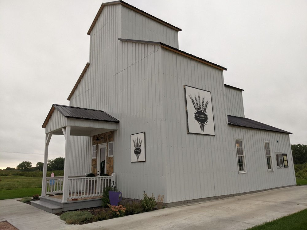 The Grainery: 119 S Oak st, Paxton, NE