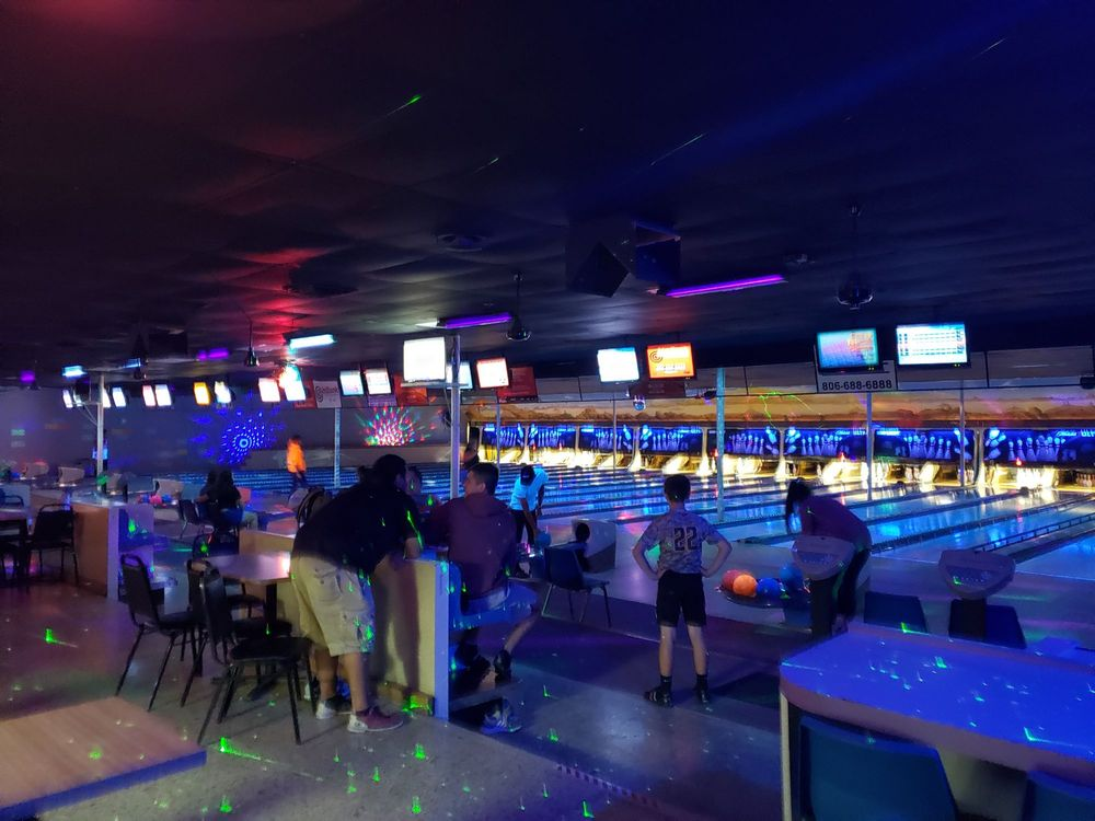 The Zone Bowling Center: 1401 S Hobart St, Pampa, TX