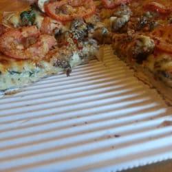 Redwood Pizzeria logo