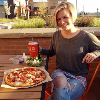 how to order at blaze pizza
