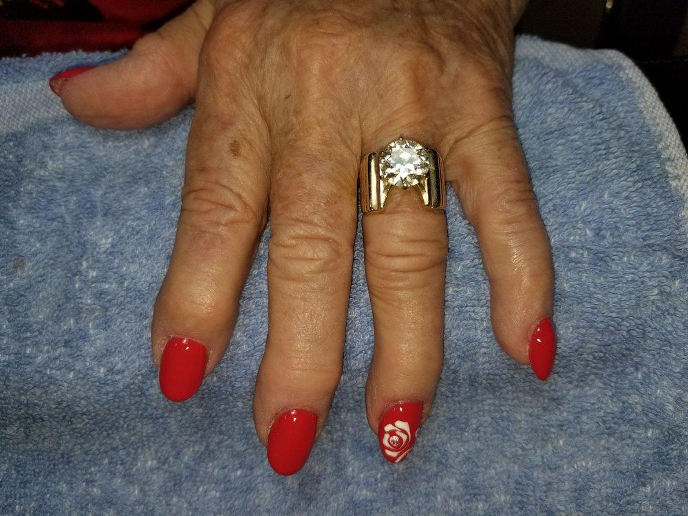 LaTruce Nail Salon and Spa: 220 W Calle De Las Tiendas, Green Valley, AZ