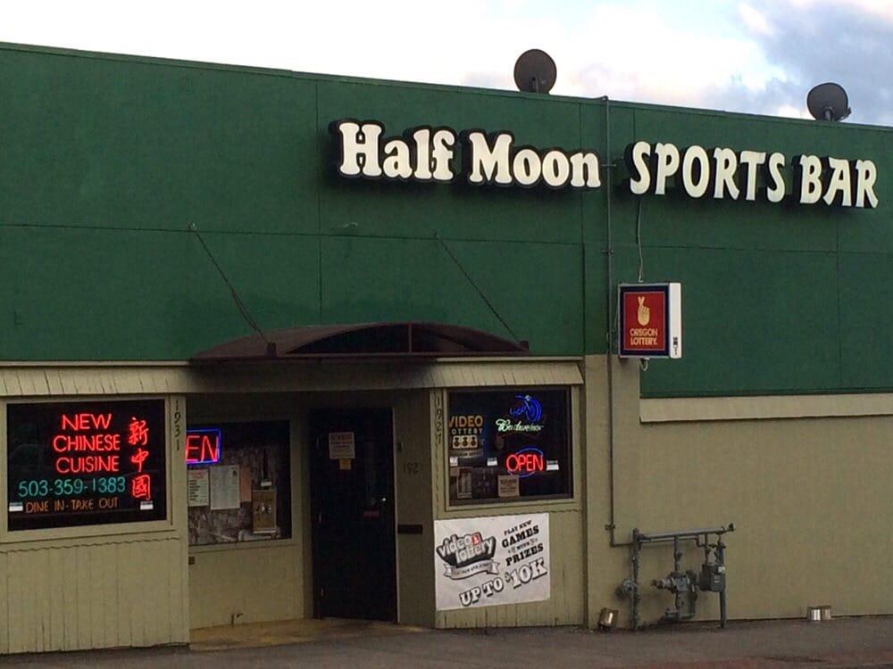 Social Spots from Half Moon Sports Bar