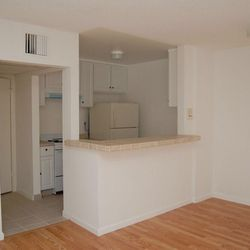 Kelton Towers Apartments 43 Reviews 515 Ave Ucla Los Angeles Ca Phone Number Yelp
