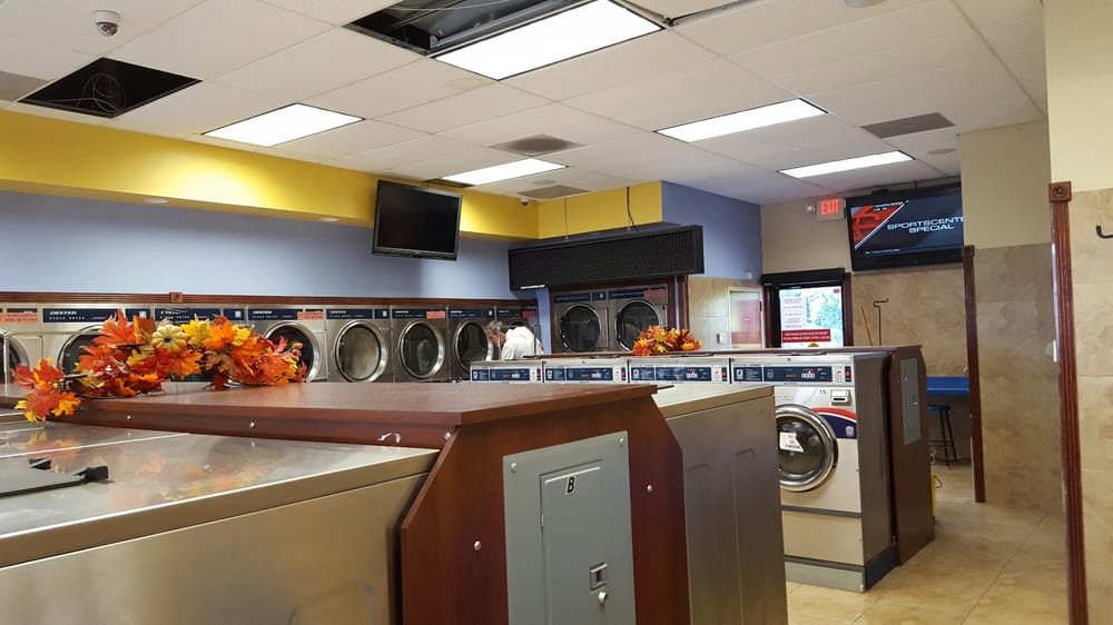 Blue Water Express Laundry: 236 Thornton Rd, Lithia Springs, GA