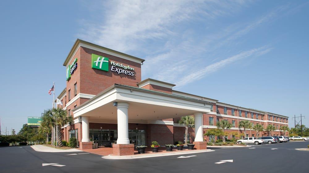Holiday Inn Express Leland - Wilmington Area: 1020 Grandiflora Dr, Leland, NC