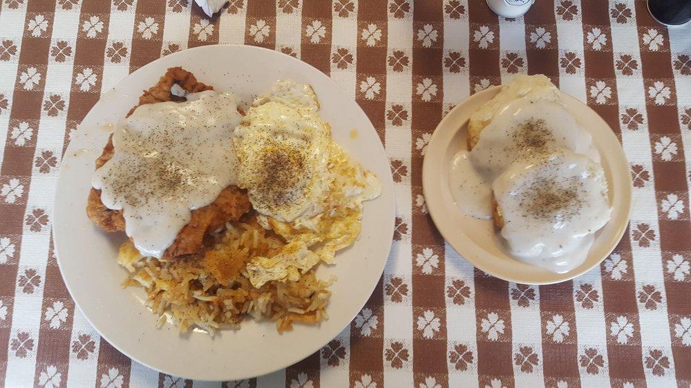 Main Street Cafe: 433 W Panola, Carthage, TX