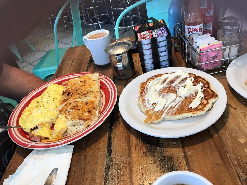 Byron Inn Cafe: 16141 Byron Hwy, Byron, CA