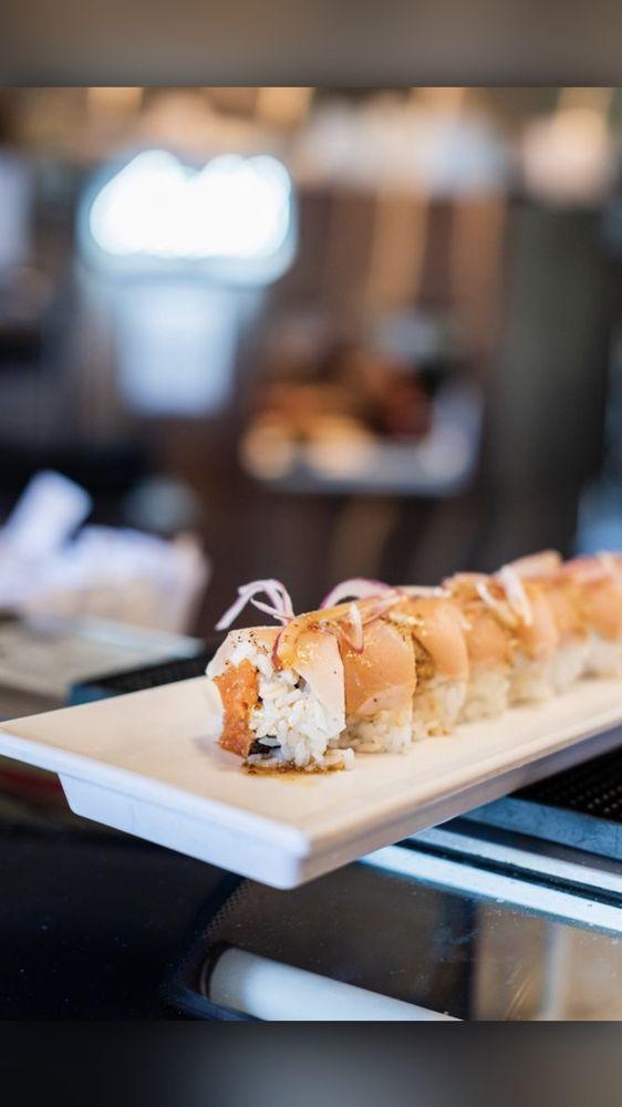 Mikomi Sushi: 414 S Myrtle Ave, Monrovia, CA