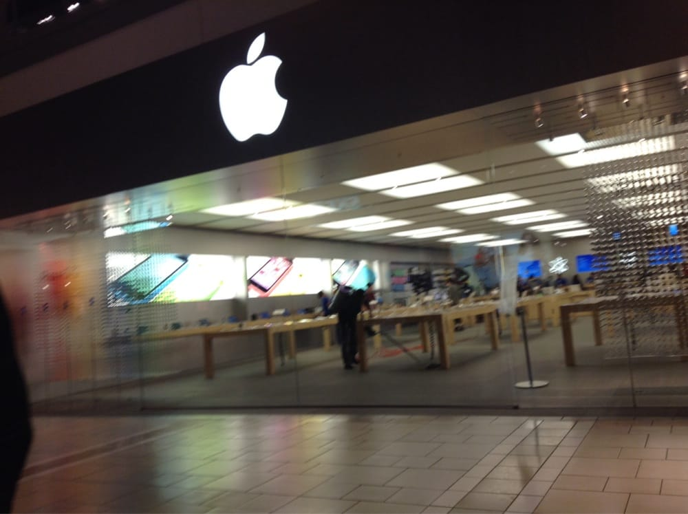 Apple Store closing time - Yelp