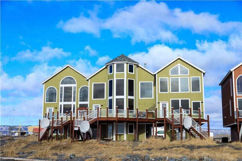 Otter Beach Lodges: 4799 Homer Spit Rd, Homer, AK