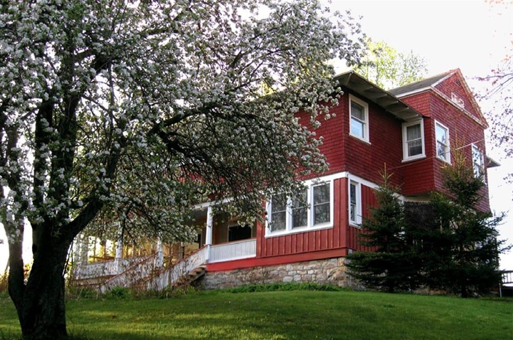 Brookside Inn and Retreat Center: 25174 George Washington Hwy, Aurora, WV